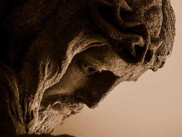 Roi en croix (Lc 23, 36-43)